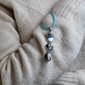 MOTHER OF PEARL NECKLACE - OCEAN VIBES